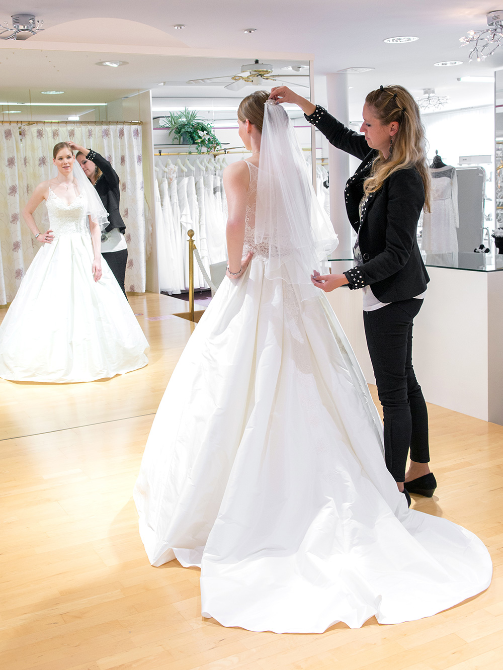 Boutique Chez Janine – Brautmode, Brautkleider und Festmode für Sie ...